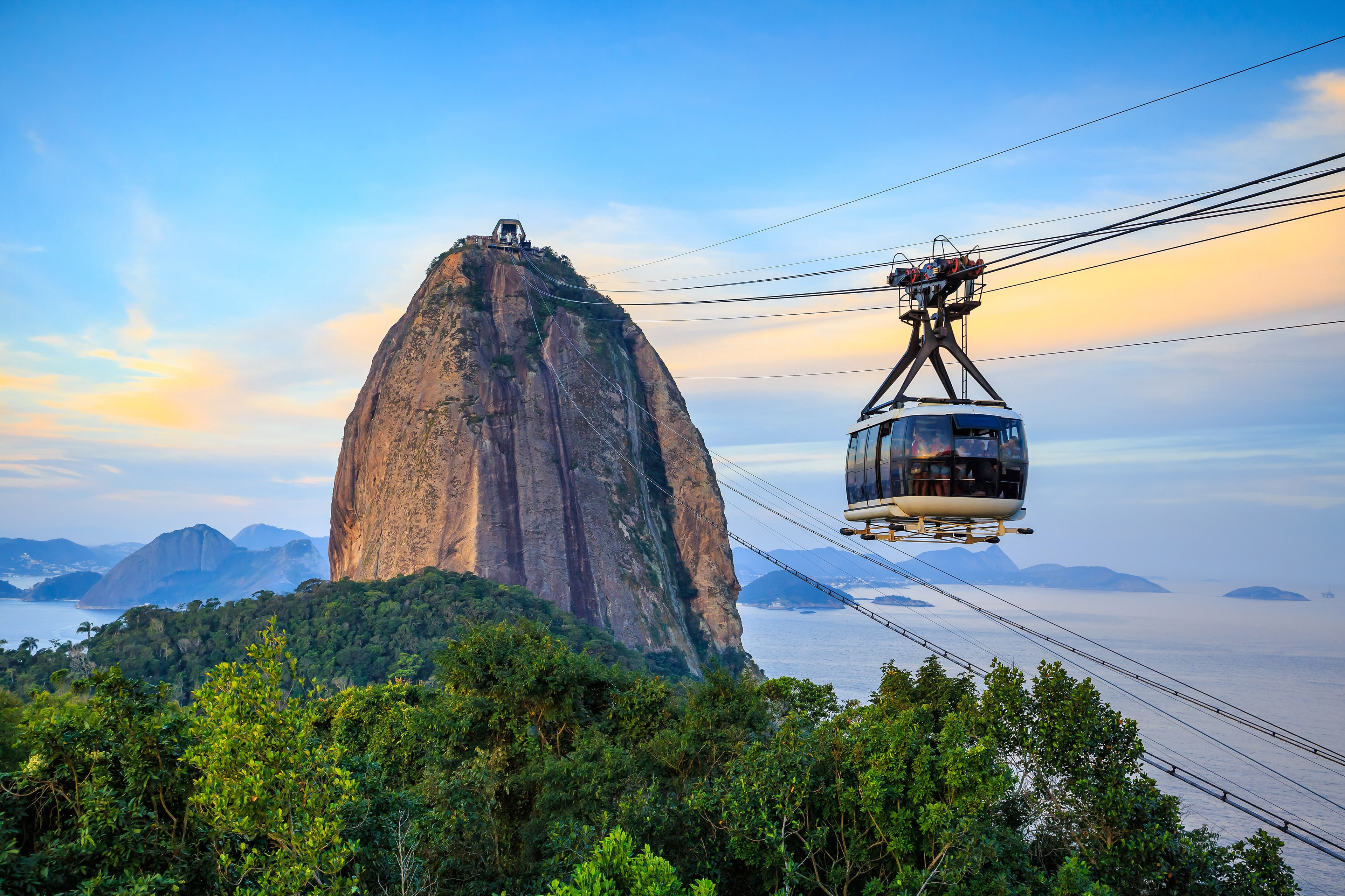 Cable car up to Sugarloaf mountain