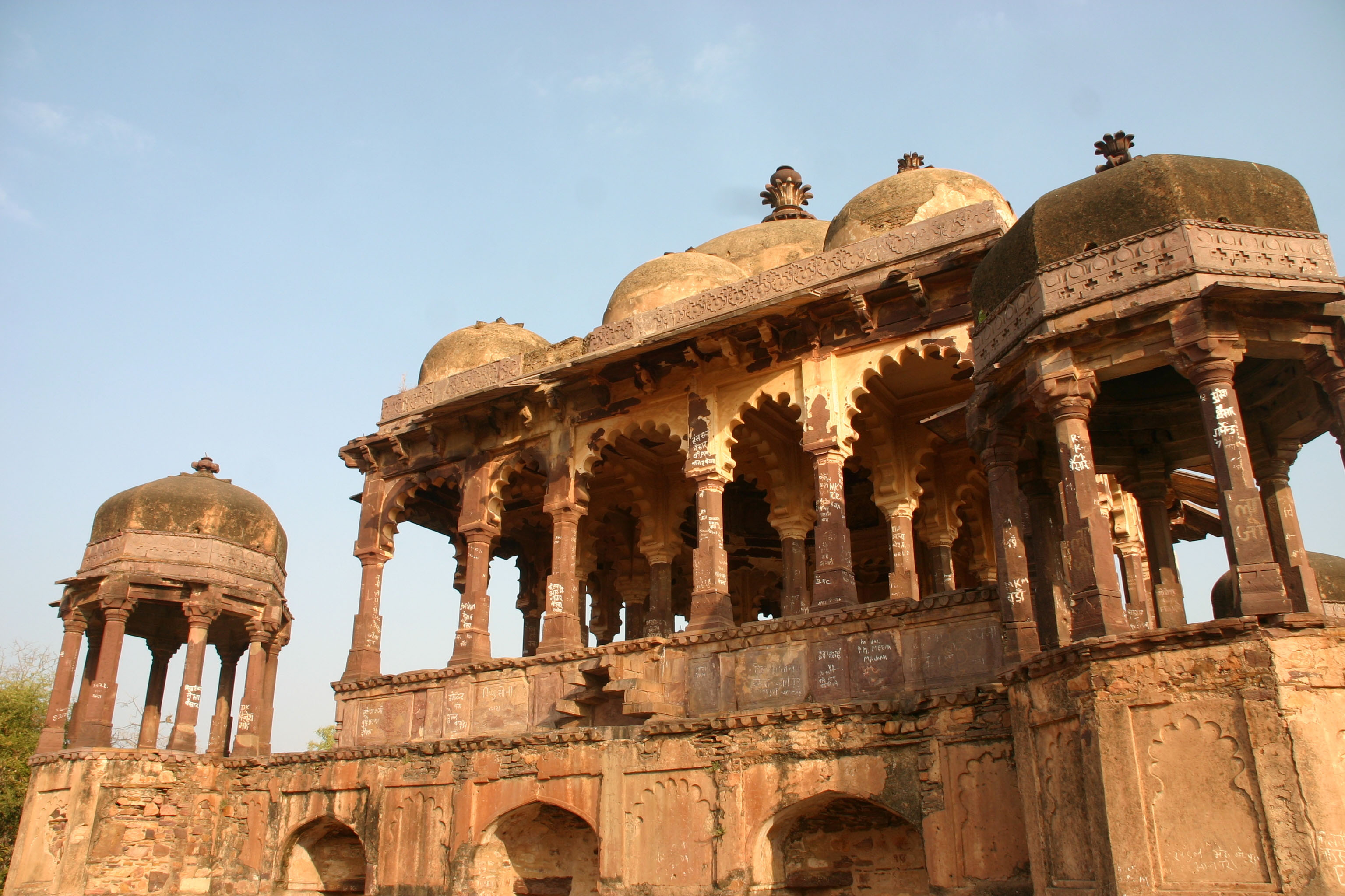 Temple ruins in Ranthambore National Park
